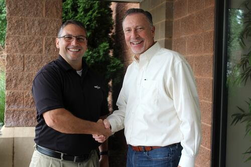 Paul Rutherford, President of Rutherford and Associates (left) with Pete Bober, CCO of IT Authorities (right).